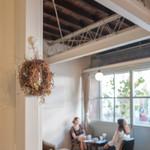 フカダソウカフェ - この奥の席が吉岡里帆さんのCMで使われていました