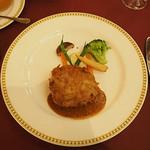 マゼランズ - 三元豚のカツレツ(チーズ入り)、粒マスタードソース