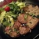 黒毛和牛食べ放題 みやもと牧場 - カルビとハラミ定食