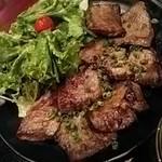 黒毛和牛食べ放題 みやもと牧場 - 本日の希少部位4種定食
