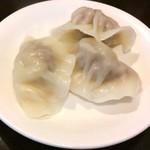 稲香居 - 酸菜水餃150円