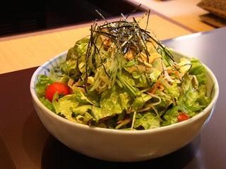 農園レストラン みやもとファーム - 農園サラダは畑の野菜をふんだんに使用