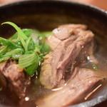 酒場シナトラ - 牛タンと九条葱の肉吸い@980円