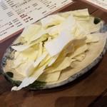 博多かわ屋 - お通しのキャベツ