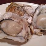 オイスター&ワイン 牡蠣屋バル - 焼き牡蠣(蒸し焼き)
