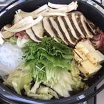 信州まつたけ小屋 梅松苑 - まつたけたっぷり!の松茸鍋