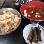 信州まつたけ小屋 梅松苑 - 松茸ご飯ゎ折りに詰めました