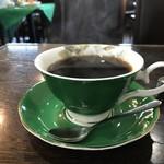 カトレア - ハンドドリップの本格派コーヒーです、器もいいですね♪(2018.10.20)