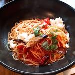 釜あげスパゲッティ すぱじろう - モッツァレラチーズとなすのトマトすぱ