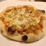 94911072 - アンチョビのピザ?