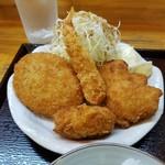 居酒屋 肴ぴ - 料理写真:ミックスフライ、キメの細かい衣が良かった