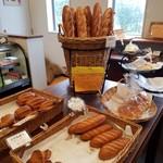 パン工房 ボン★シャンテ - 店内の様子