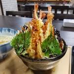 松寿司本店 - 料理写真:大きな海老天が4本「天丼タワー 匠 (1528円)」