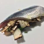 94922255 - 〆秋刀魚、松茸、蓮根餅、すだち