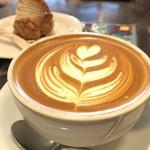 Urth Caffé - カフェラテ580円