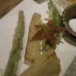 あめこや - 季節野菜の天ぷら;アップ