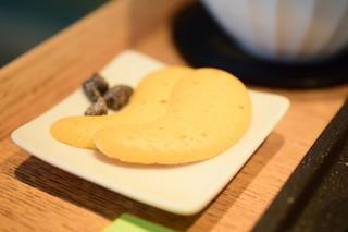 茶庭 然花抄院 - 【実ノ膳(秋季限定)@1,400円】クッキー&昆布