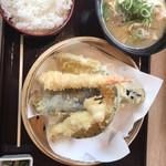 天ぷら海鮮いっ福神戸北店 - 天ぷら定食あら汁変更。150円アップ。