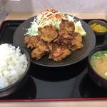 福島松川パーキングエリア 上り - 山盛りから揚げ定食 ライス大盛り 850円