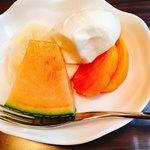 きゃらばん - サービスのフルーツヨーグルト