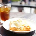 ラ ベルコリーヌ - 料理写真:フレンチトースト アイスドリンクセット (¥580)