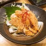 もんなか酒場 串人 - 国産銘柄鶏とりわさ 550円