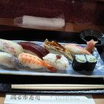 満る市寿司 - ランチのにぎり寿司