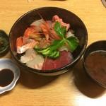 御殿 - 海鮮丼