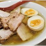麺や七彩 - 肉そば(塩)+味玉  1070+150円 味玉が高いのにブスい…。