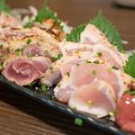 彩波 - 2018.10 鶏刺し四点盛り(1,980円)モモ肉たたき、ムネ肉たたき、ささ身たたき、白レバー