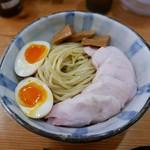 麺屋 さん田 - 料理写真:つけ麺 大(950円)鶏チャーシュー(200円)