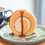 ノリズ コーヒー - エスプレッソキャラメルロールケーキ