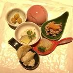 94962612 - 前菜:地鶏コーチンと旬菜五種盛り