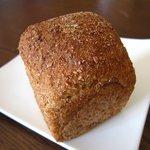 大地堂 - 全粒粉のシンプルパン