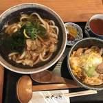 肉うどんの丸十 - かすうどん+親子丼(小)