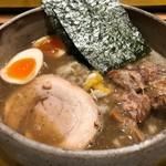 麺屋 音 - 特製濃厚煮干しそば 990円。