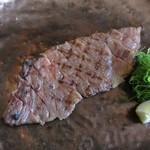 神戸牛炭火ステーキ・逸品 寅松の肉たらし - 神戸牛・サーロイン(ロース)100g