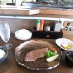 神戸牛炭火ステーキ・逸品 寅松の肉たらし - 神戸牛・サーロイン(ロース)100gランチ