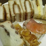 サンドッグイン 神戸屋 - カツサンドがやってきたので2皿目