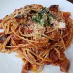 中野坂上バル エルセロウノ - パスタ:豚肉と野菜のトマトソース