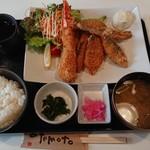 魚屋食堂 勝浦 - Mixフライ定食¥1800+税