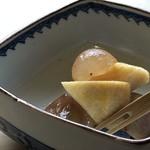 西中洲 鮨 山椒郎 - デザートは「柿」と「葡萄」