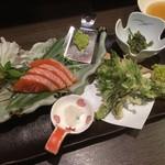 卯屋 - 山うどのわさびマヨネーズ、ふきのとうとタラの芽とコシアブラの天ぷら、信州サーモンの刺身