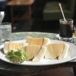 Kissamadoragu - 【2018.10.13】コロナのサンドイッチ780+ブレンドコーヒー アイス400円