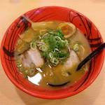 げんこつ - 料理写真:豚骨醤油ラーメン(730円)