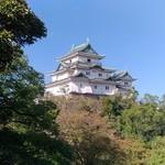 ビクトリー - 和歌山城の目の前にあります(県庁前)