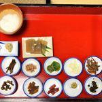 観光旅館 三頭山荘 - 山菜12品の山桜コース