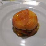 95010058 - 前菜:ハーブのクリームを詰めた自家製スモークサーモン