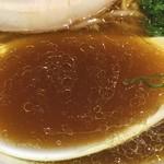95011113 - 醤油の塩気、濃厚な鶏油