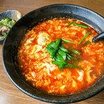 辛麺屋 桝元 - 料理写真:「トマト辛麺(5辛)」(800円)+「ミニなんこつ」(+100円)。